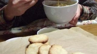 オリーブオイルでレモンクッキー バターとマーガリン不使用 マクロビクッキーをどうぞ