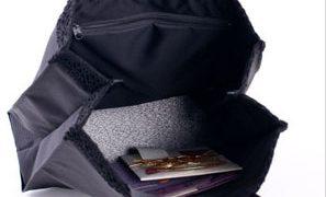 冠婚葬祭 バッグ 黒のシンプルなフォーマルバッグとマチ付きのサブバッグで荷物はOK