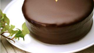 おすすめチョコレートケーキ! オーナーシェフ手製のクーベルチュール・チョコレートケーキ・クラシック もったりもたれるチョコレートケーキ!