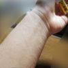 白檀の粉末でかぶれ じんましんか? サンダルウッドで手首にかゆみが出現