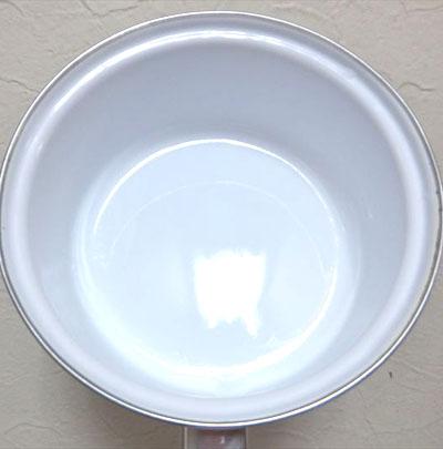 ダイソーの鍋 100円ショップ ホーロー鍋