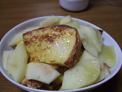 焼きりんごとフレンチトースト