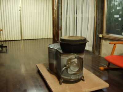 煙突 昔の薪ストーブ